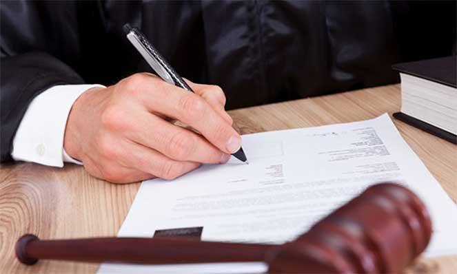 Суд определяет место жительства ребенка при разводе