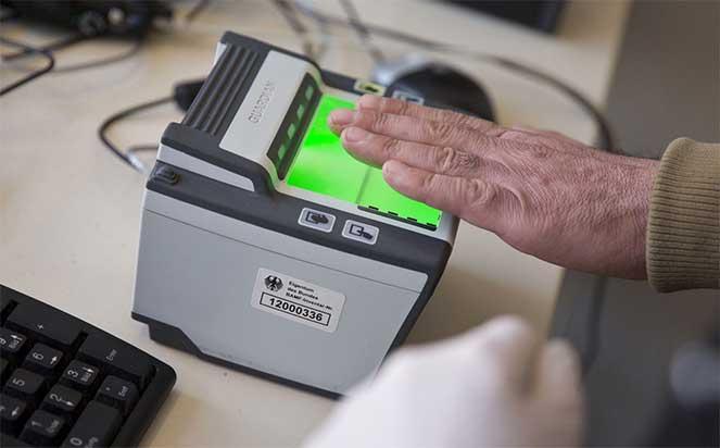 Снимаем отпечатки пальцев