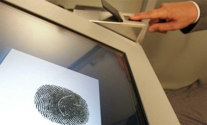 Зачем отпечатки пальцев для заграничного паспорта?