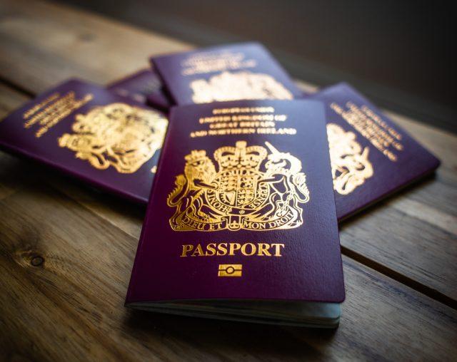 Как гражданину России получить паспорт ЕС