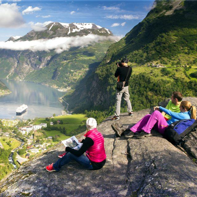 Работа туроператором в Норвегии