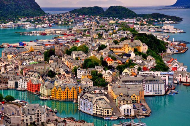 В Норвегии преимущественно высокие зарплаты