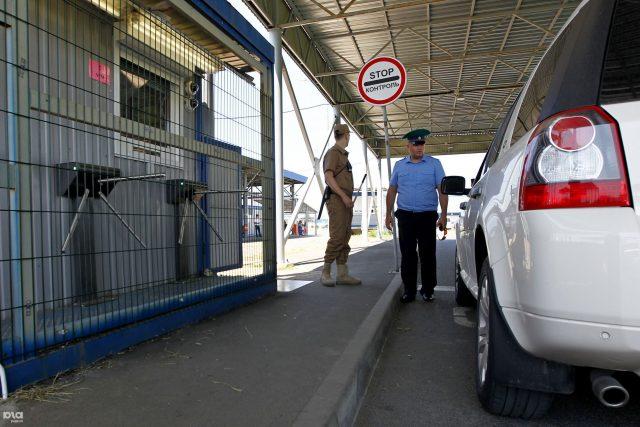 В Абхазию из России можно завозить алкоголь и сигареты